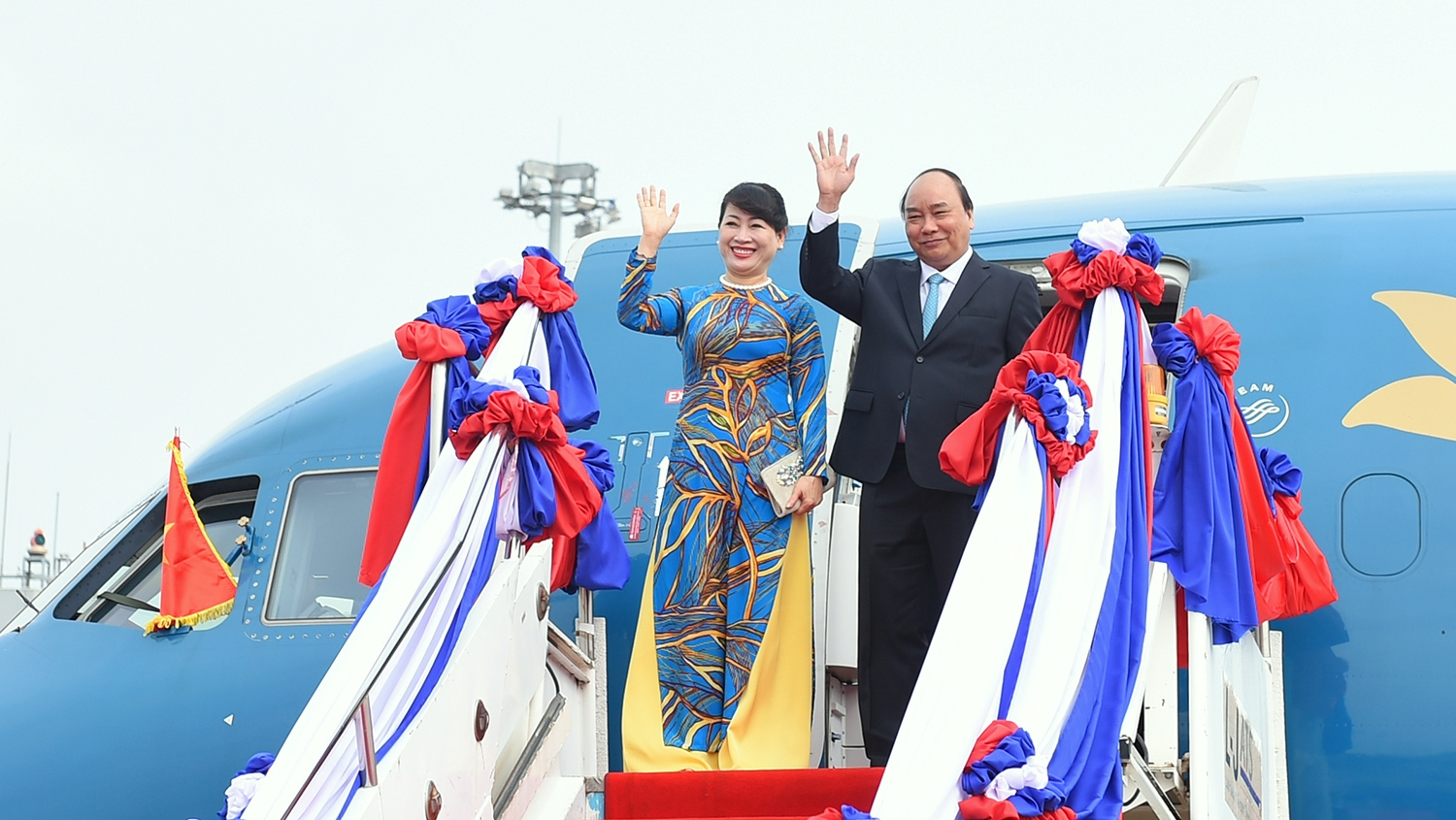 April 24-30: PM's visit to Laos, Cambodia helps foster bilateral ties