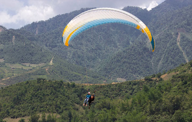 Paragliding festival offers stunning aerial views of Mu Cang Chai