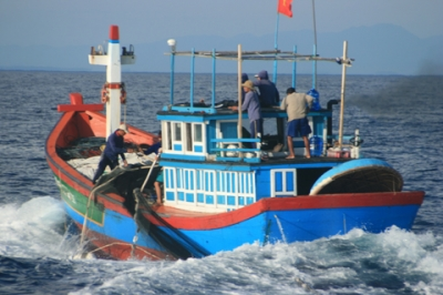 China releases Vietnamese fishermen