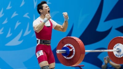 Vietnamese weightlifting makes history with three official Olympic berths