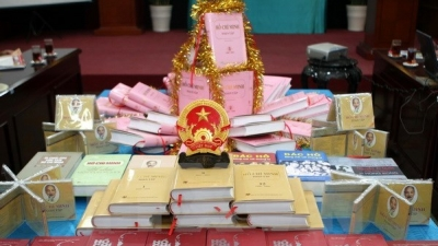 Complete works of Ho Chi Minh translated into Lao