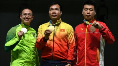 Hoang Xuan Vinh makes history for Vietnam with Olympic gold