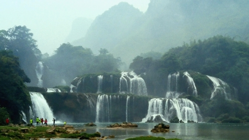 Ban Gioc waterfall – a landmark at the national frontier