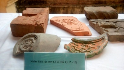 Many artefacts found in Thang Long Royal Citadel