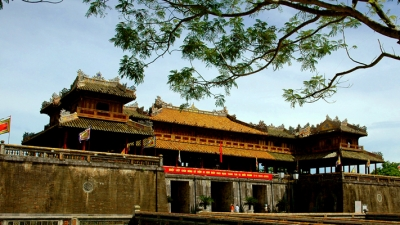 Thua Thien–Hue welcomes 100,000 tourists during Tet