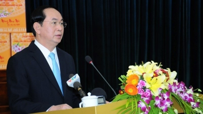President urges education sector to focus on developing