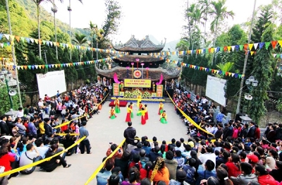 January 30—February 5: Traditional festivals held nationwide