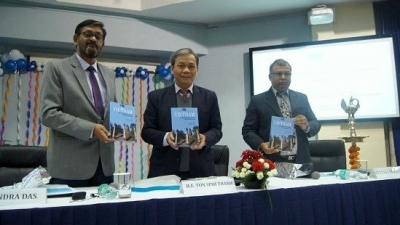Book on Vietnam's economic development debuts in India