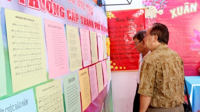 HCM City celebrates Vietnam Poetry Day
