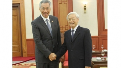 Party General Secretary hosts Singapore's Prime Minister
