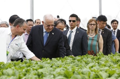 Israeli President tours VinEco Tam Dao high-tech agriculture project