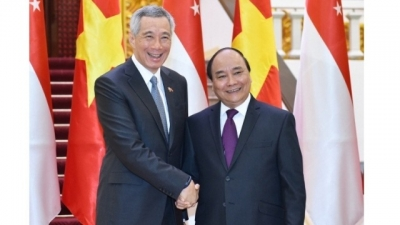 Prime Ministers of Vietnam, Singapore look to foster strategic trust