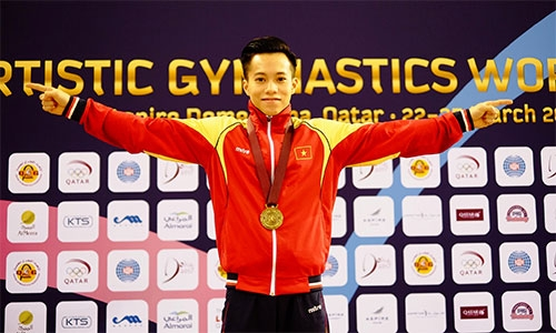 Le Thanh Tung claims gold at Gymnastics World Cup