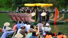 Thousands flock to Trang An festival in Ninh Binh