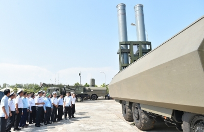 PM inspects combat readiness of Binh Thuan-based missile brigade