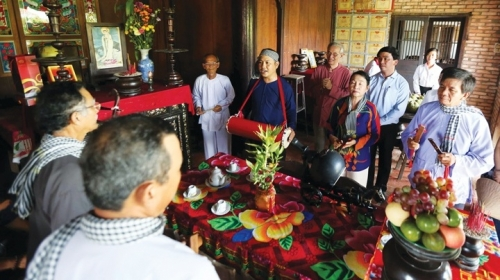 Preserving the national heritage of Phu Le commune's folk singing