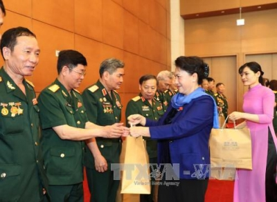 NA Chairwoman Nguyen Thi Kim Ngan receives veterans of Army Corps 2