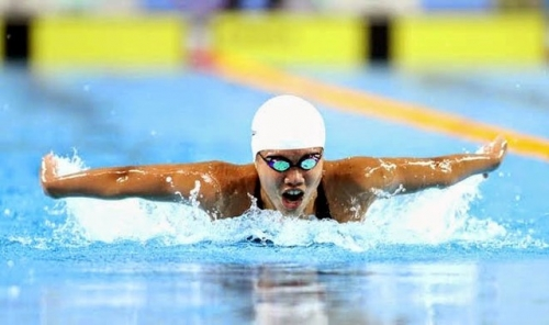 Anh Vien claims two silver medals at Arena Pro Swim Series