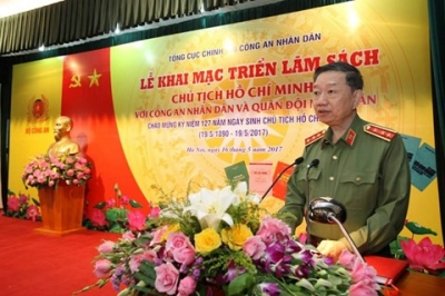 Book display on President Ho Chi Minh opens in Hanoi