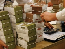 Bad debts at US$7 billion until March 31