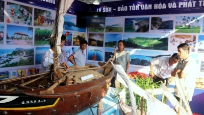 Exhibition spotlights Vietnam's sea, island culture heritages