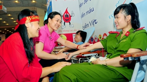 Leader praises donors' contributions to voluntary blood donation drives