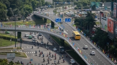 Two flyovers at Tan Son Nhat entrances opened to traffic