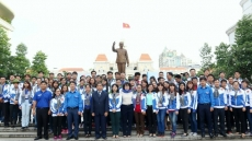 HCM City youths join voluntary activities in Laos