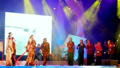 """Ho khoan"" Le Thuy singing recognised as national intangible cultural heritage"
