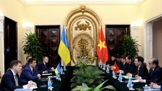 Deputy PM Minh holds talks with visiting Ukrainian Foreign Minister