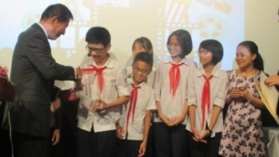 National student film making contest presents awards