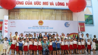 Programme launched to improve children's eyesight in Hanoi and HCMC