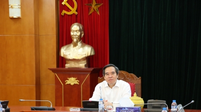 Politburo member works with Quang Binh province
