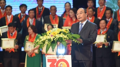 Programme honours outstanding Vietnamese farmers throughout 30 years of Doi Moi