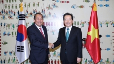 Deputy PM Truong Hoa Binh meets senior Korean legislator