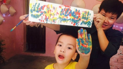 Young painter works to inspire love for traditional arts among children