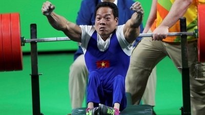 Powerlifter Cong wins gold and smashes world record in Mexico