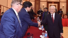 Party chief Nguyen Phu Trong greets APPF-26 delegation heads