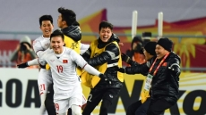 Outpouring of congratulations and rewards as Vietnam beat Qatar to reach final