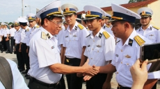 Tet gifts presented to offshore soldiers