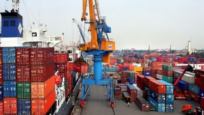 Vietnam posts trade deficit of US$300 million in January