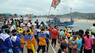 Sa Huynh fishermen celebrate first sailing of new lunar year