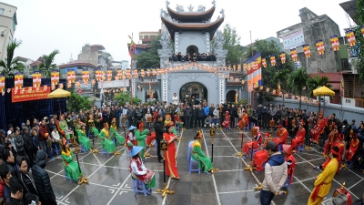 Xiangqi festival at Vua pagoda attracts crowds