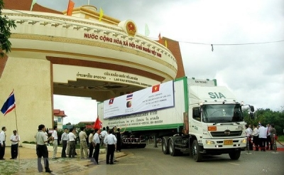 Vietnamese, Lao provinces seek to boost cross-border trade
