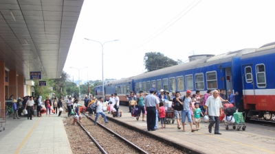 Vietnam Railways to add 30,000 tickets during upcoming holidays