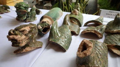 Thang Long imperial city excavation reveals large structures