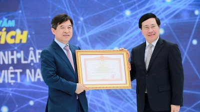 Samsung Electronics Vietnam celebrates its 10th anniversary