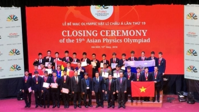 Asian Physics Olympiad concludes in Hanoi