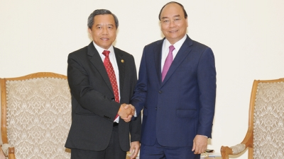 PM receives Lao Minister of Science and Technology