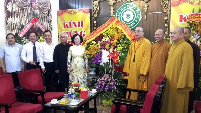 Party official congratulates VBS on Lord Buddha's birthday